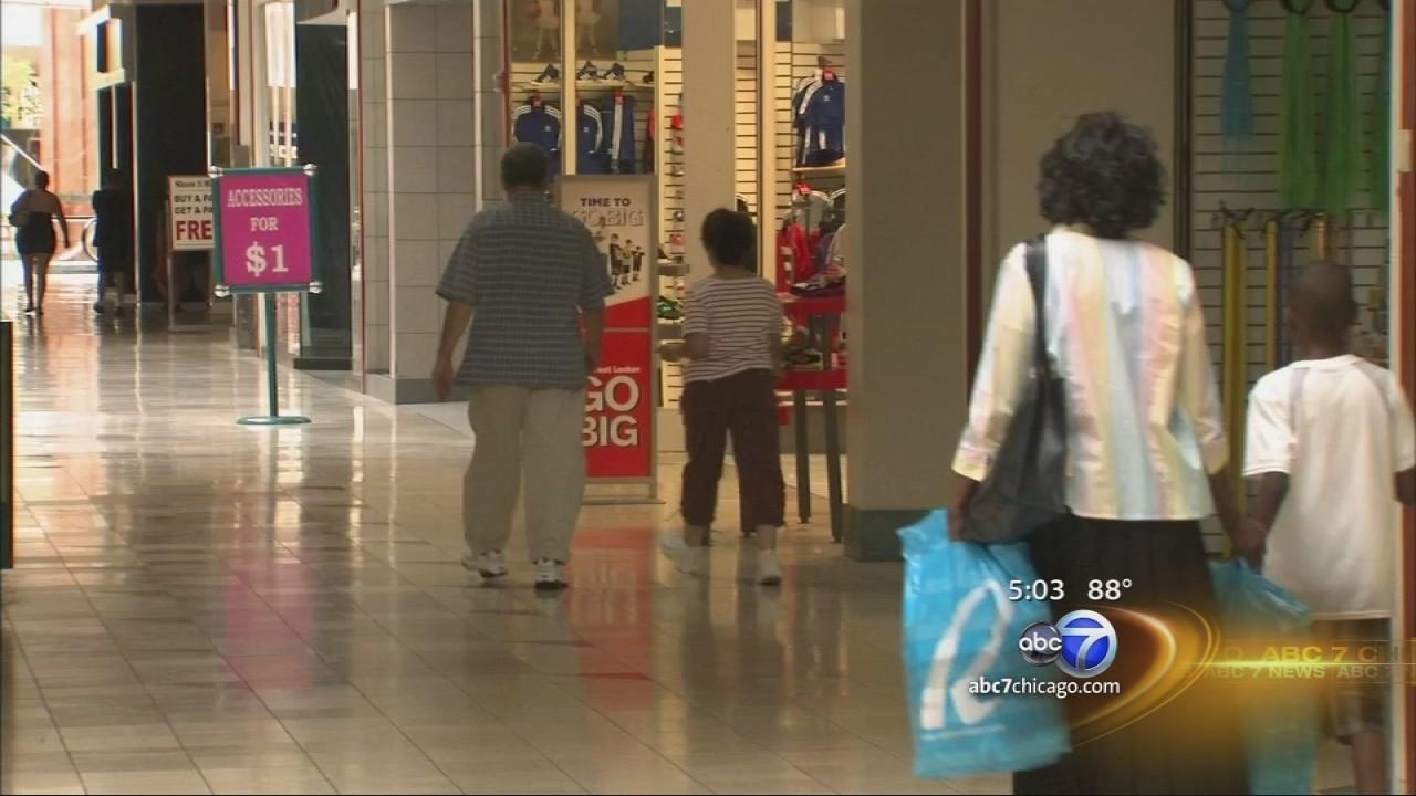 Lincoln Mall store owners told to close