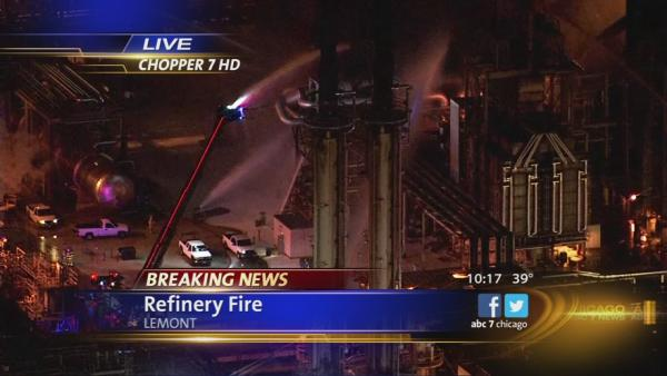 Fire burns at Lemont oil refinery