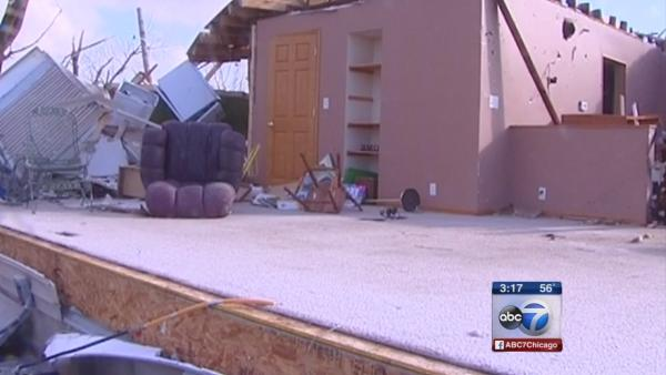 Illinois residents survey storm damage