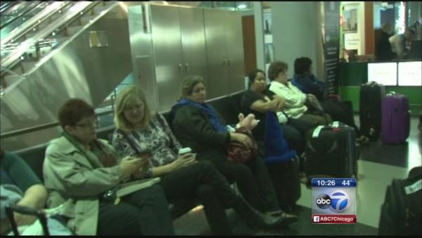 Passengers stranded at O'Hare after 200+ flights canceled