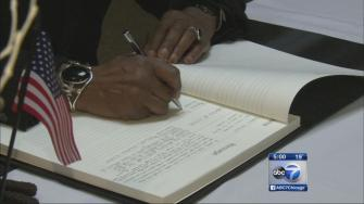 Nelson Mandela condolences books available to sign in Chicago