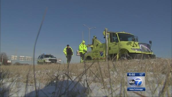 Road rescue crews busy as cold temps grip Chicago