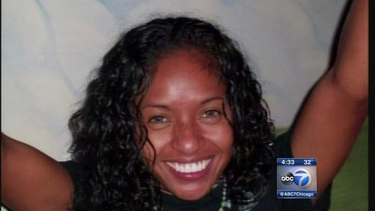 Woman, 30, dead in Chicago River fall IDd