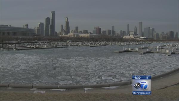 Bitter cold grips Chicago ahead of New Year's Eve snowstorm