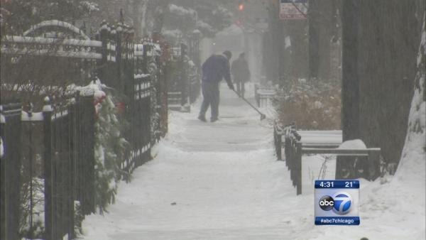 City digs out from New Year's snow