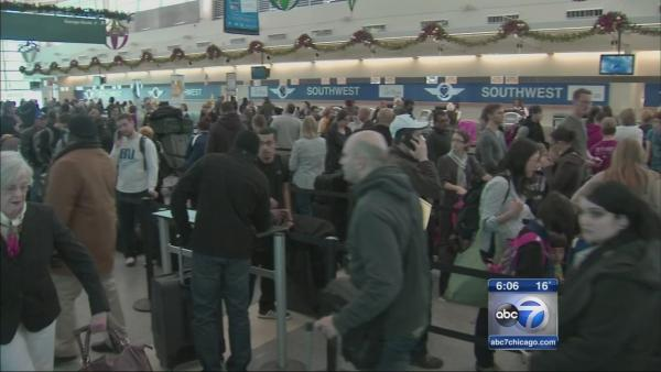 Long lines, delays persist for Southwest passengers