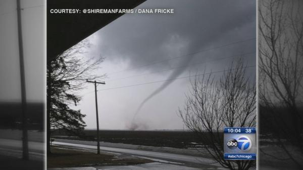 Possible tornados reported in downstate Illinois