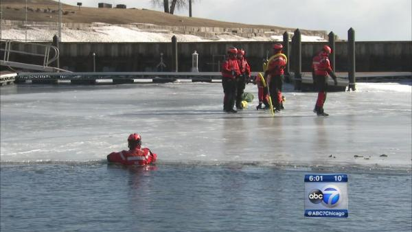 Coast Guard conducts ice rescue training