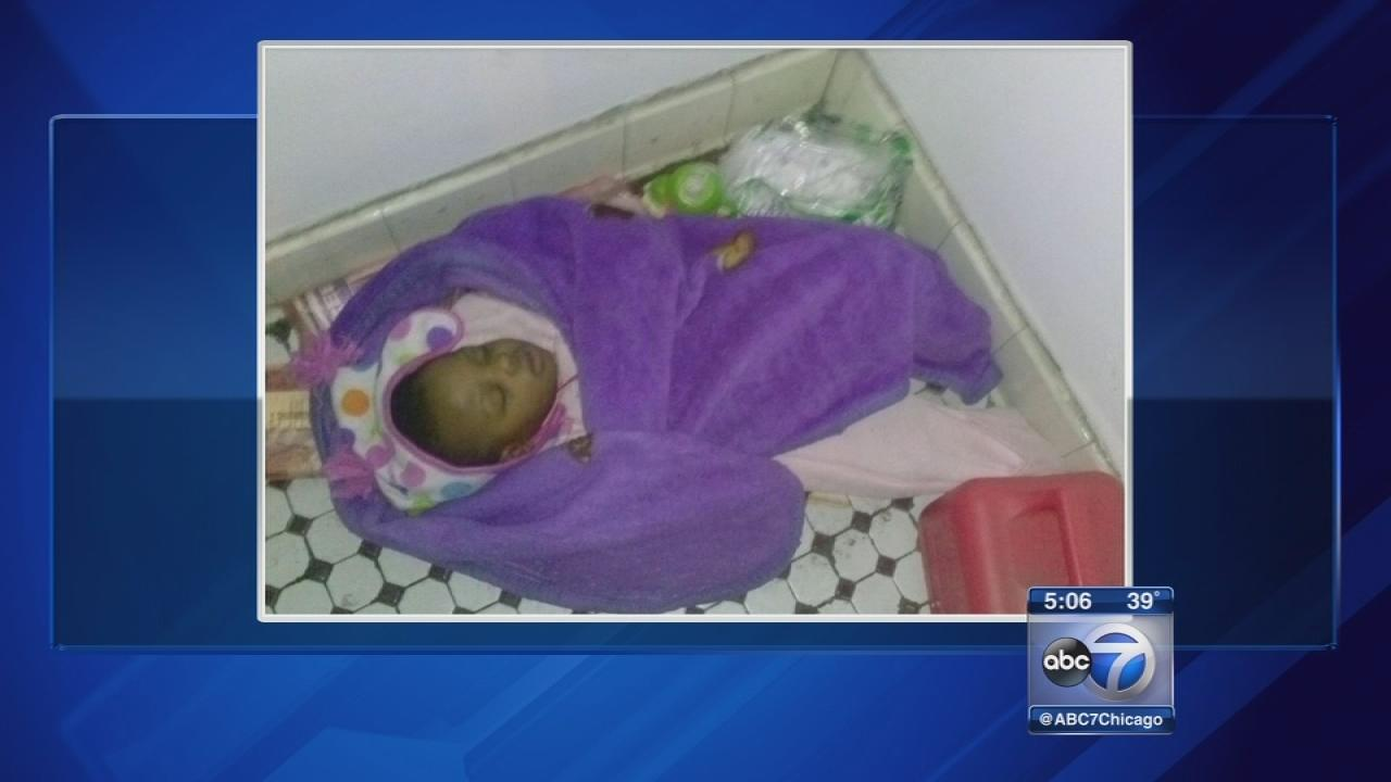 Toddler found alone in South Side apartment entryway