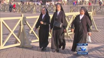 Crowds descend on Rome ahead of canonization