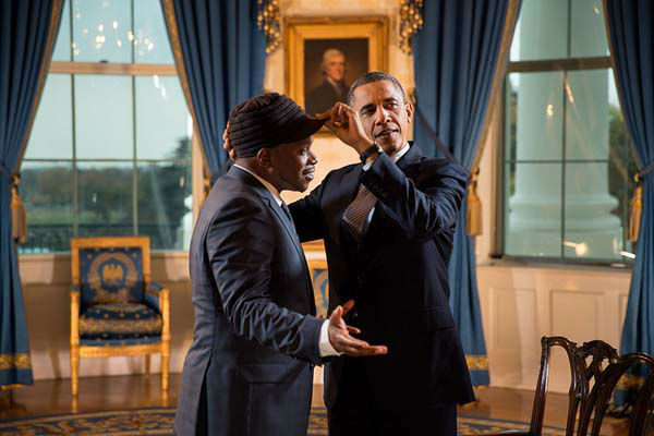 "<div class=""meta ""><span class=""caption-text "">President Barack Obama adjusts Sway Calloway's hat following an interview for a Live MTV special, in the Blue Room of the White House, Oct. 26, 2012. (Official White House Photo by Pete Souza) (Photo/The White House)</span></div>"
