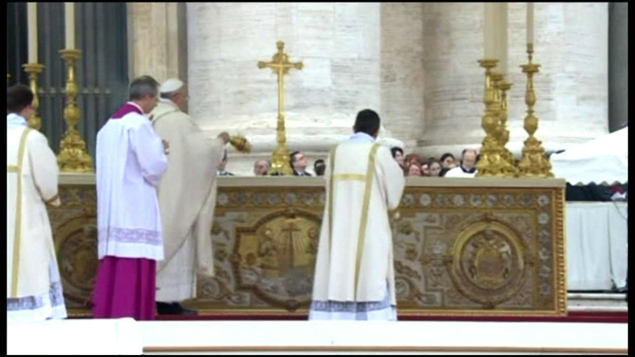 Canonization ceremonies of Popes John Paul II and John XXIII <span class=meta>(Vatican Pool Feed)</span>