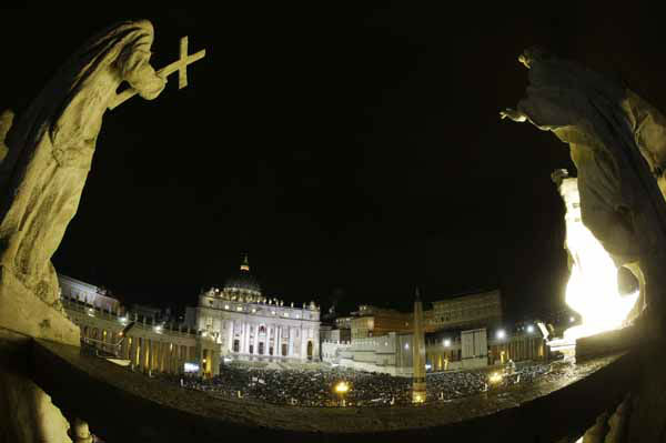 White smoke billows from the chimney on the Sistine Chapel indicating that a new pope has been elected in St. Peter&#39;s Square at the Vatican, Wednesday, March 13, 2013. &#40;AP Photo&#47;Andrew Medichini&#41; <span class=meta>(AP Photo&#47; Andrew Medichini)</span>