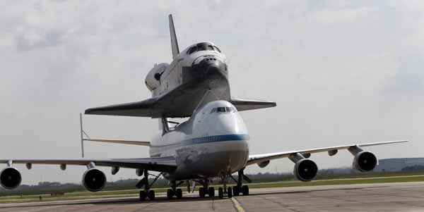 Space shuttle Endeavour sits atop the shuttle aircraft carrier as it taxis Wednesday, Sept. 19, 2012, at Ellington Field in Houston. Endeavour is making a final trek across the country to the California Science Center in Los Angeles, where it will be permanently displayed. &#40;AP Photo&#47;David J. Phillip&#41; <span class=meta>(AP Photo&#47; David J. Phillip)</span>