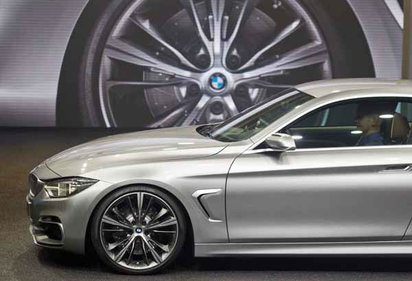 "<div class=""meta ""><span class=""caption-text "">The BMW 4 Series Coupe concept vehicle is unveiled at the North American International Auto Show, Monday, Jan. 14, 2013, in Detroit, Mich. (AP Photo/Tony Ding) (AP Photo/ TONY DING)</span></div>"