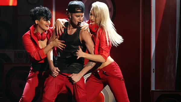 Justin Bieber performs at the 40th Anniversary American Music Awards