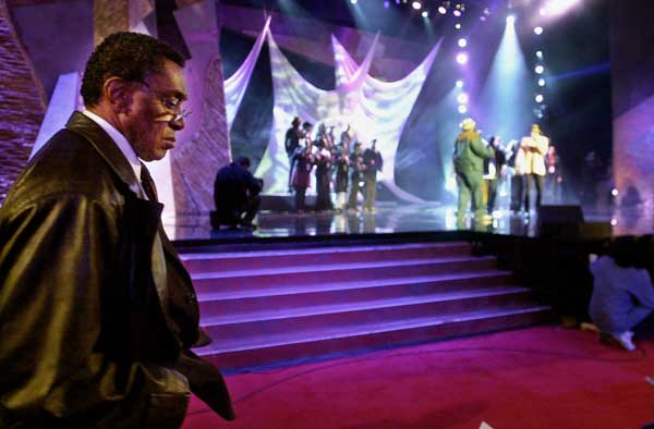Don Cornelius, creator of the 30-year-old syndicated dance show &#34;Soul Train,&#34; walks near the stage during rehearsals for the 15th annual Soul Train Awards show, Tuesday, Feb. 27, 2001, at the Shrine auditorium in Los Angeles.  <span class=meta>(&#40;AP Photo&#47;Kim D. Johnson&#41;)</span>