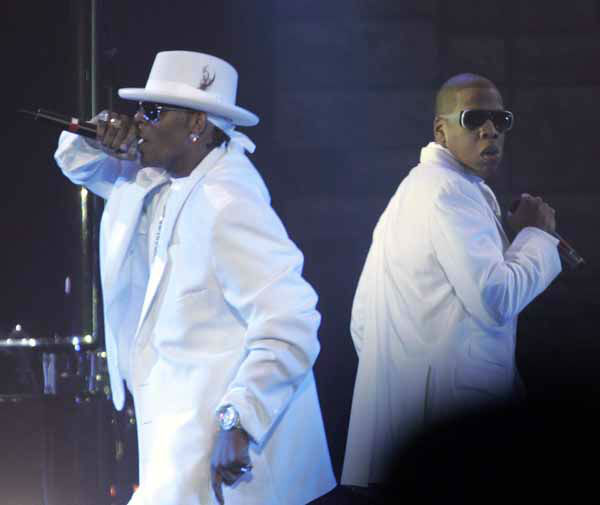 Jay-Z, right and R. Kelly perform during a concert at Nasssau Coliseum in Uniondale, N.Y., Thursday, Oct. 28, 2004. &#40;AP Photo&#47;Ed Betz&#41; <span class=meta>(AP Photo&#47; ED BETZ)</span>