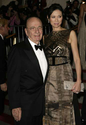 "<div class=""meta image-caption""><div class=""origin-logo origin-image ""><span></span></div><span class=""caption-text"">Rupert Murdoch and his wife Wendi arrive at the Metropolitan Museum of Art Costume Institute Gala in New York, Monday, May 7, 2007.  (AP Photo/Seth Wenig) (AP Photo/ Seth Wenig)</span></div>"