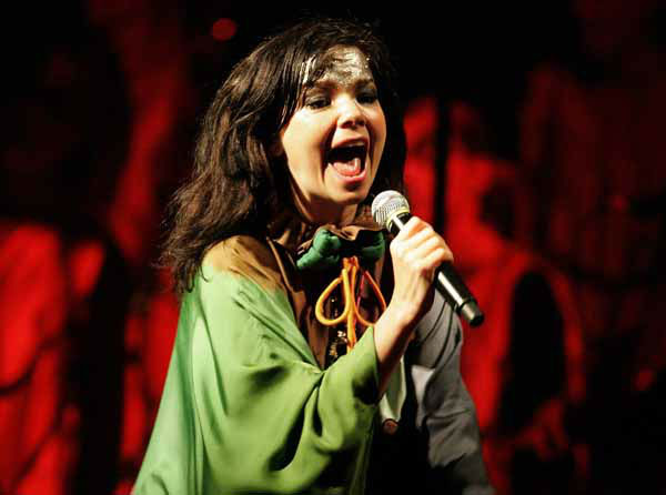 "<div class=""meta image-caption""><div class=""origin-logo origin-image ""><span></span></div><span class=""caption-text"">Icelandic singer Björk performs during a concert at the National Museum in Lima, Tuesday, Nov. 13, 2007. (AP Photo/Martin Mejia) (AP Photo/ Martin Mejia)</span></div>"