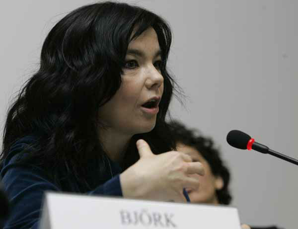 "<div class=""meta ""><span class=""caption-text "">Icelandic singer performer Bjork addresses the media at the second European public information campaign, 'CoolPlanet2009', to raise awareness of environmental issues and to mobilize citizens in support of a new climate agreement, in Brussels, Thursday Nov. 6, 2008. (AP Photo/Yves Logghe) (AP Photo/ Yves Logghe)</span></div>"
