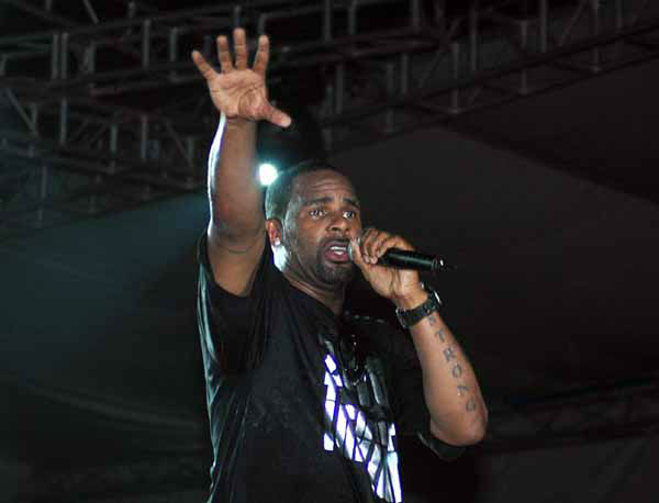 American R&#38;B superstar Robert Sylvester Kelly best known by the stage name R. Kelly performing in Uganda&#39;s capital city Kampala organized by Zain Uganda , Friday, Jan. 29, 2010. The American R&#38;B and soul singer song writer, occasional rapper, and record producer performed before a crowd of about 30,000 fans. &#40;AP Photo&#47;Stephen Wandera&#41; <span class=meta>(AP Photo&#47; Stephen Wandera)</span>