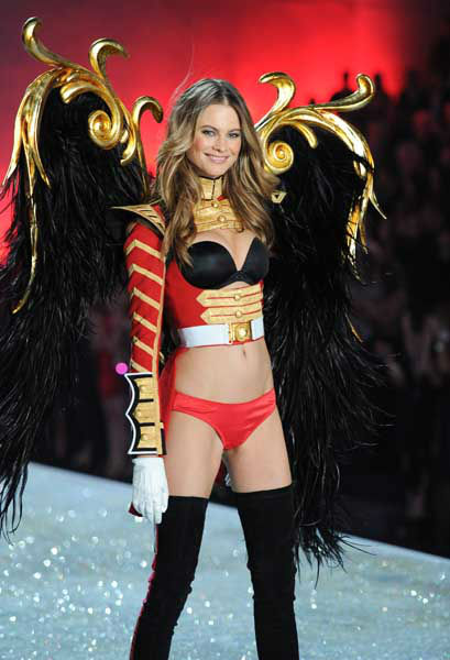 Model Bahati Prinsloo walks the runway during the 2013 Victoria&#39;s Secret Fashion Show at the 69th Regiment Armory on Wednesday, Nov. 13, 2013, in New York. &#40;Photo by Evan Agostini&#47;Invision&#47;AP&#41; <span class=meta>(Photo&#47;Evan Agostini)</span>