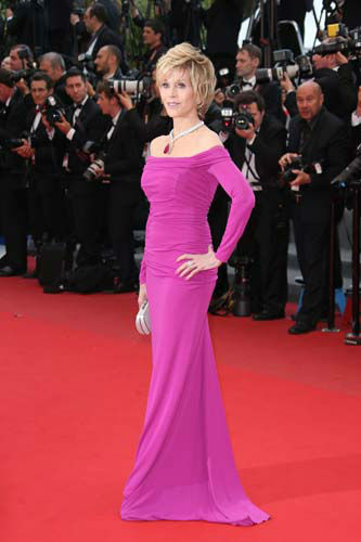 "<div class=""meta image-caption""><div class=""origin-logo origin-image ""><span></span></div><span class=""caption-text"">FILE - This May 19, 2013 file photo shows actress Jane Fonda wearing a purple-hued Badgley Mischka off-the-shoulder gown as she arrives for the screening of the film Inside Llewyn Davis at the 66th international film festival, in Cannes, southern France. (Photo by Joel Ryan/Invision/AP, file) (AP Photo/ Joel Ryan)</span></div>"