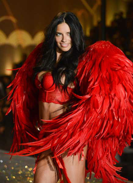 "<div class=""meta image-caption""><div class=""origin-logo origin-image ""><span></span></div><span class=""caption-text"">Model Adriana Lima walks the runway during the 2013 Victoria's Secret Fashion Show at the 69th Regiment Armory on Wednesday, Nov. 13, 2013 in New York. (Photo by Evan Agostini/Invision/AP) (Photo/Evan Agostini)</span></div>"