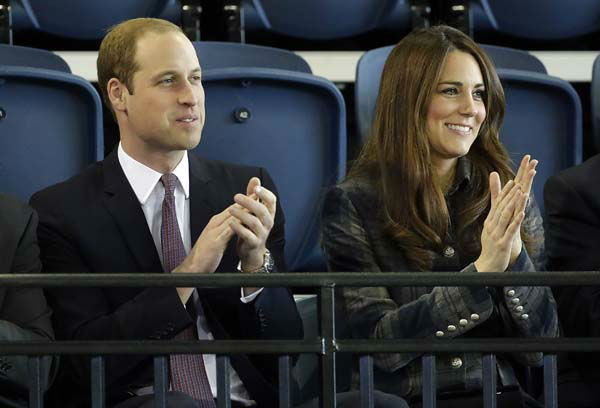 "<div class=""meta ""><span class=""caption-text "">Britain's Prince William, the Duke of Cambridge, left, and his wife Kate, the Duchess of Cambridge, applaud during their visit to the Emirates Arena in Glasgow, Scotland, Thursday, April 4, 2013. (AP Photo/Danny Lawson, Pool) (AP Photo/ Danny Lawson)</span></div>"
