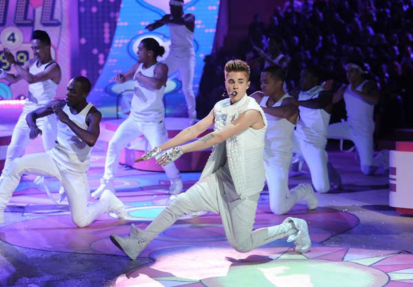 Singer Justin Bieber performs during the 2012 Victoria&#39;s Secret Fashion Show on Wednesday Nov. 7, 2012 in New York. The show will be Broadcast on Tuesday, Dec. 4 &#40;10:00 PM, ET&#47;PT&#41; on CBS. &#40;Photo by Evan Agostini&#47;Invision&#47;AP&#41; <span class=meta>(AP Photo&#47; Evan Agostini)</span>