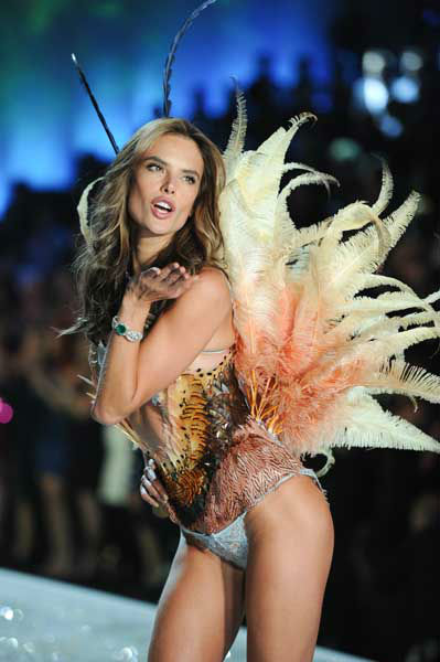 "<div class=""meta ""><span class=""caption-text "">Model Alessandra Ambrosio walks the runway during the 2013 Victoria's Secret Fashion Show at the 69th Regiment Armory on Wednesday, Nov. 13, 2013, in New York. (Photo by Evan Agostini/Invision/AP) (Photo/Evan Agostini)</span></div>"