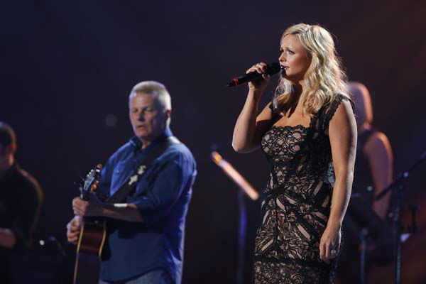 This image released by NBC Universal shows country singer Miranda Lambert, right, during the Healing in the Heartland: Relief Benefit Concert at the Chesapeake Energy Arena in Oklahoma City, Okla., Wednesday, May 29,2013. Funds raised by the benefit will go to the United Way of Central Oklahoma, for recovery efforts for those affected by the May 20 tornado. &#40;AP Photo&#47;NBC, Trae Patton&#41; <span class=meta>(AP Photo&#47; Trae Patton)</span>