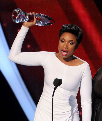 Jennifer Hudson accepts the Favorite Humanitarian award at the 40th annual People&#39;s Choice Awards at Nokia Theatre L.A. Live on Wednesday, Jan. 8, 2014, in Los Angeles. &#40;Photo by Frank Micelotta&#47;Invision&#47;AP&#41; <span class=meta>(Photo&#47;Frank Micelotta)</span>