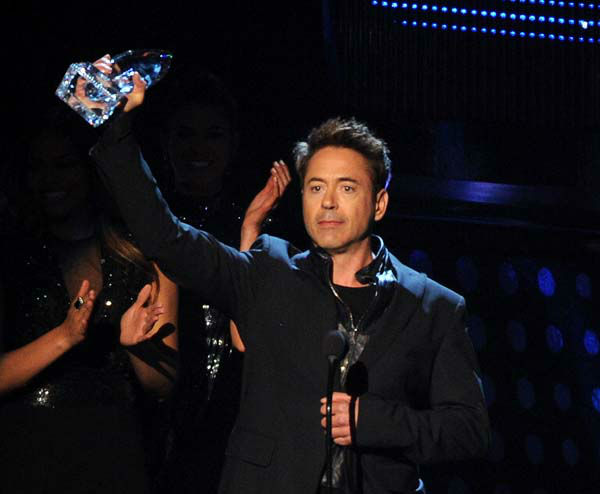 Robert Downey Jr. accepts the Favorite Action Movie Actor award at the 40th annual People&#39;s Choice Awards at Nokia Theatre L.A. Live on Wednesday, Jan. 8, 2014, in Los Angeles. &#40;Photo by Frank Micelotta&#47;Invision&#47;AP&#41; <span class=meta>(Photo&#47;Frank Micelotta)</span>