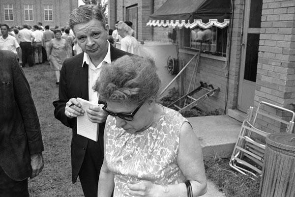 Mrs. Joseph Matusek hangs her head at the scene of the slaying of eight student nurses on Chicago&#39;s South Side, July 16, 1966. Her daughter, Patricia, 21, was one of the victims. &#40;AP Photo&#41; <span class=meta>(AP Photo&#47; IP CV, NC. KEY R3, D. XMB)</span>