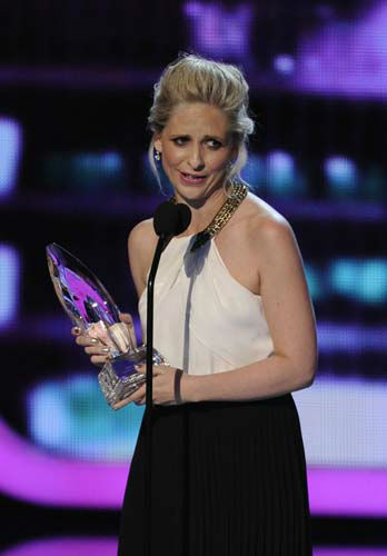 "<div class=""meta image-caption""><div class=""origin-logo origin-image ""><span></span></div><span class=""caption-text"">Sarah Michelle Gellar accepts the award for favorite actress in a new TV series at the 40th annual People's Choice Awards at the Nokia Theatre L.A. Live on Wednesday, Jan. 8, 2014, in Los Angeles. (Photo by Chris Pizzello/Invision/AP) (Photo/Chris Pizzello)</span></div>"