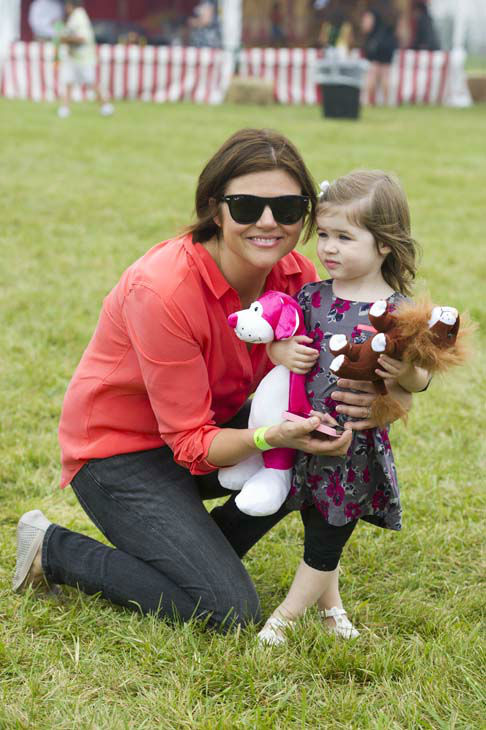 Tiffani Thiessen and her daughter Harper Smith attend the Ovarian Cancer Research Fund&#39;s 15th Annual Super Saturday on Saturday, July 28, 2012 in Water Mill, NY. &#40;Photo by Charles Sykes&#47;Invision&#47;AP&#41; <span class=meta>(Photo&#47;Charles Sykes)</span>