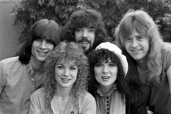 "<div class=""meta ""><span class=""caption-text "">The rock group Heart pose in Los Angeles, Calif., on Feb. 19, 1980.  Bottom, left to right are Nancy and Ann Wilson.  Top row, left to right are Steve Fossen, Michael Derosier and Howard Leese.  (AP Photo) (AP Photo/ XNBG AD)</span></div>"