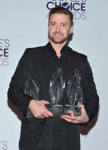 Justin Timberlake, winner of the Favorite Album, Favorite Male Artist and Favorite R&#38;B Artist awards poses in the press room at the 40th annual People&#39;s Choice Awards at Nokia Theatre L.A. Live on Wednesday, Jan. 8, 2014, in Los Angeles. &#40;Photo by John Shearer&#47;Invision&#47;AP&#41; <span class=meta>(Photo&#47;John Shearer)</span>