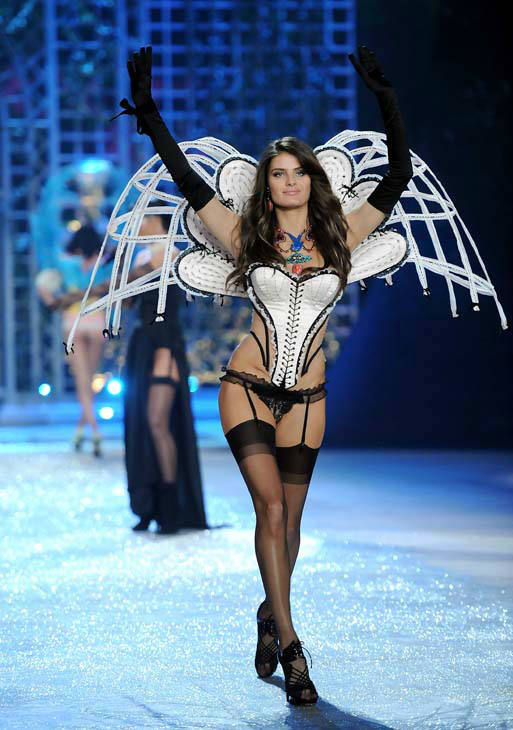 "<div class=""meta ""><span class=""caption-text "">Model Isabeli Fontana walks the runway during the 2012 Victoria's Secret Fashion Show on Wednesday Nov. 7, 2012 in New York. The show will be Broadcast on Tuesday, Dec. 4 (10:00 PM, ET/PT) on CBS. (Photo by Evan Agostini/Invision/AP) (AP Photo/ Evan Agostini)</span></div>"