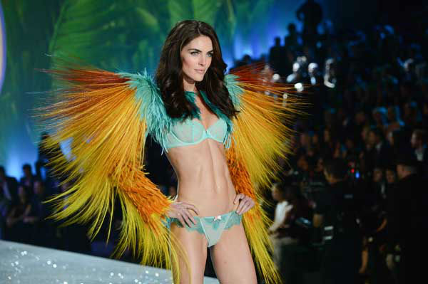 Model Hilary Rhoda walks the runway during the 2013 Victoria&#39;s Secret Fashion Show at the 69th Regiment Armory on Wednesday, Nov. 13, 2013 in New York. &#40;Photo by Evan Agostini&#47;Invision&#47;AP&#41; <span class=meta>(Photo&#47;Evan Agostini)</span>