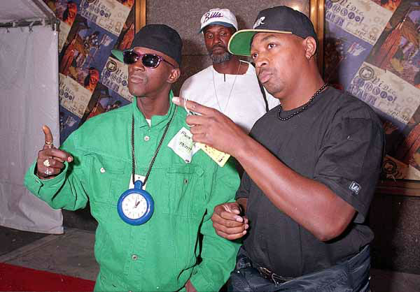 Flavor Flav, left, and Chuck D. of the rap group Public Enemy, pose for photographers upon their arrival for the MTV Music Awards at New York&#39;s Radio City Music Hall, Sept. 8, 1994. &#40;AP Photo&#47;Malcolm Clarke&#41;  <span class=meta>(Photo&#47;&#250;g?&#40;&#241;?&#250;M?k?&#34;?&laquo;?q2?kEmsA.n??F???z?X?1&curren;?x&#243;?gv&copy;?v?&#43;h&#225;?{&frac34;@&middot;?????&times;?&#241;:	?&#250;J??*?`???q???s}a?t&frac34;&middot;VO&#218;?l&laquo;u? t&frac12;&#193;??;?)</span>