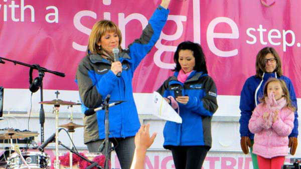 ABC7&#39;s Roz Varon and Judy Hsu joined in and emceed the Making Strides Against Breast Cancer 5k in Chicago Saturday, October 26, 2013. <span class=meta>(WLS Photo)</span>