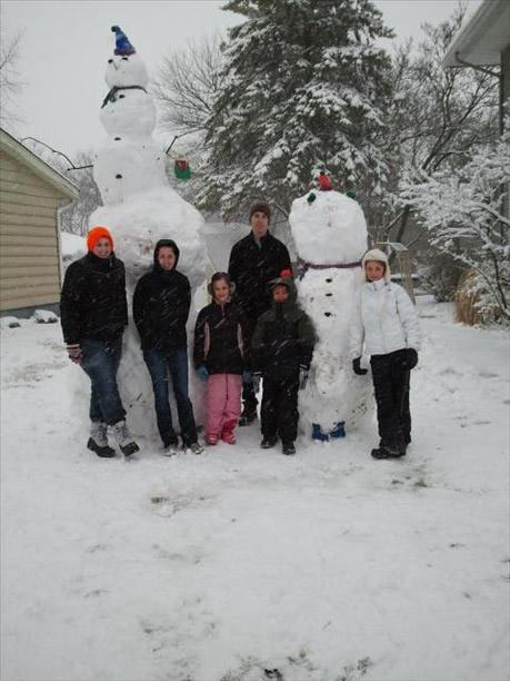 "For scale, the guy in the middle is 6' 2"". Send your snow photos to USeeIt@abc7chicago.com"