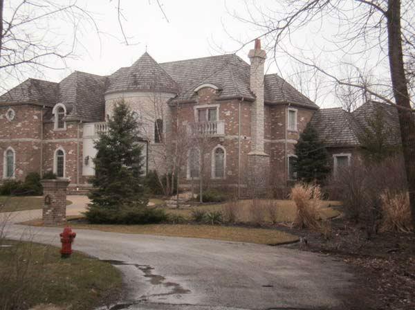 The Chicago Bears&#39; Devin Hester has put his north suburban home on the market.  <span class=meta>(WLS Photo&#47; http:&#47;&#47;www.realtor.com)</span>