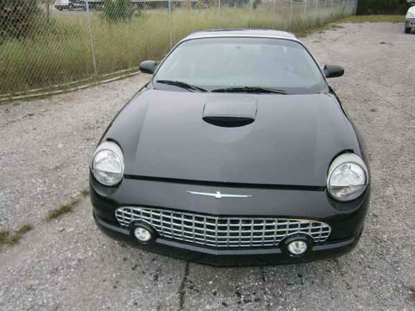 "<div class=""meta ""><span class=""caption-text "">2005 Ford Thunderbird Starts, Runs, Drives ""United States of America v. Rita A Crundwell"" Mileage: 9142</span></div>"