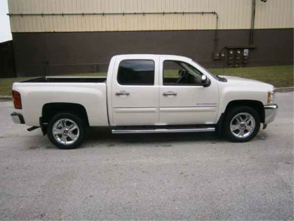 "<div class=""meta ""><span class=""caption-text ""> 	2012 Chevrolet Silverado G1500 Starts, Runs, Drives ""United States of America v. Rita A Crundwell"" Mileage: 4054</span></div>"