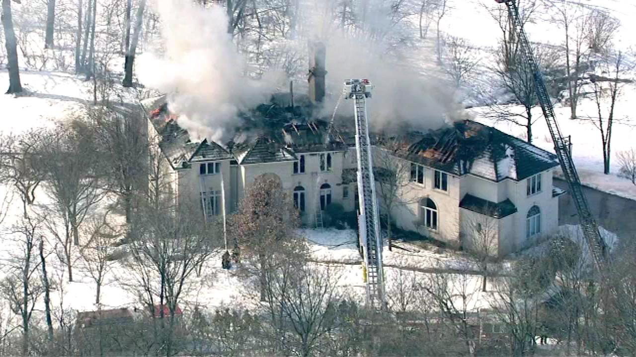 Burr Ridge mansion engulfed in flames