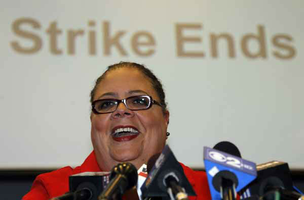 Karen Lewis, president of the Chicago Teachers Union smiles as she talks with reporters after the union&#39;s House of Delegates voted to suspend the strike Tuesday, Sept. 18, 2012, in Chicago. &#40;AP Photo&#47;Charles Rex Arbogast&#41; <span class=meta>(AP Photo&#47; Charles Rex Arbogast)</span>